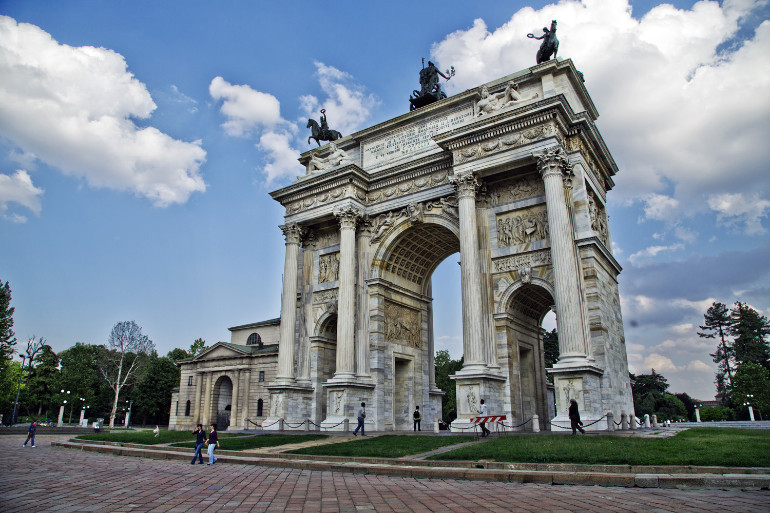 Famous sights of Milan